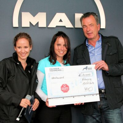2013_Truck Grand Prix_Spendenbergabe MAN_Kinderunfallhilfe